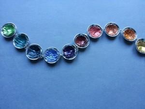 Zilveren armband met gehamerde cups,alle kleuren